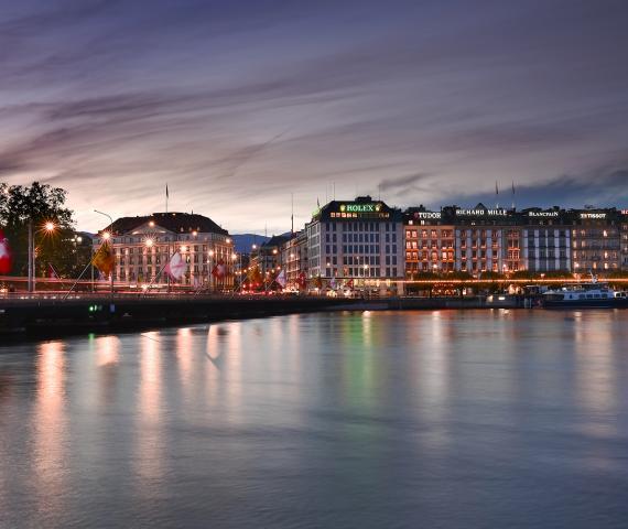 Leuchtwerbung Genf